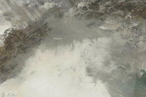 Imagen satélite que muestra la contaminación sobre Pekín (China)