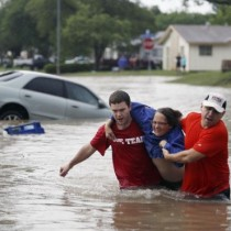 Texas_Flooding_Satt4_t607-555x370